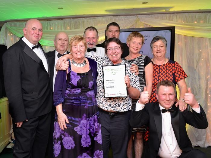 Cllr Colin Davies presents award to Manor Farm Shop